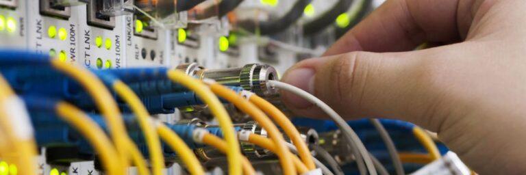 خدمات پشتیبانی شبکه و کامپیوتر
